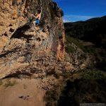 Adam Ondra en Neanderthal 9b en Santa Linya Foto Henning Wang
